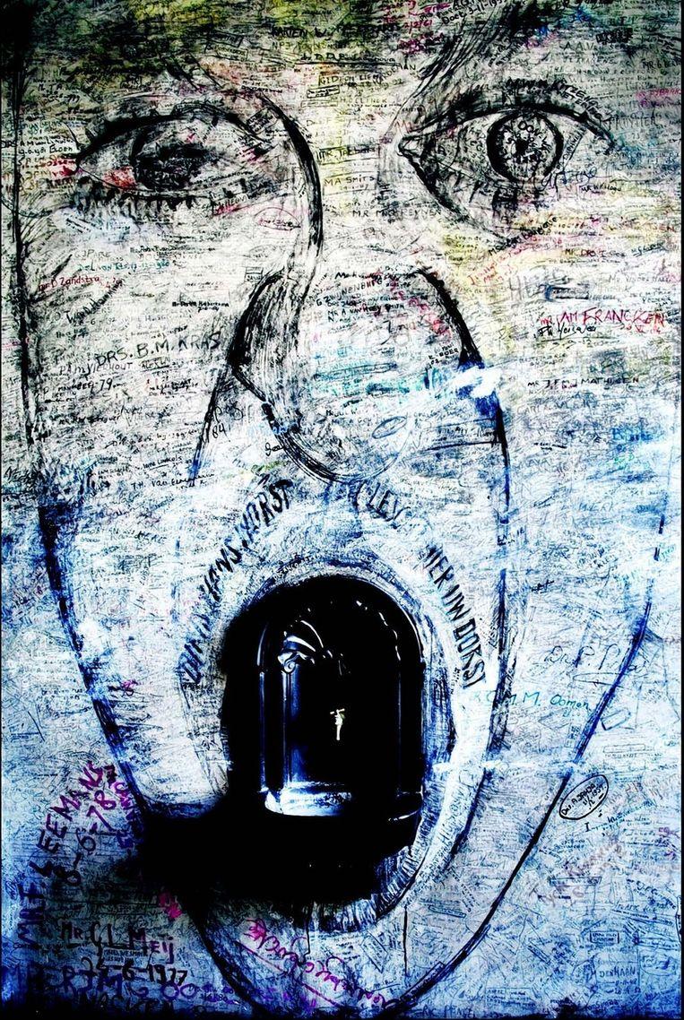 Op de muren van het 'zweetkamertje' van de Leidse universiteit hebben talloze afgestudeerden en gepromoveerden door de jaren heen hun naam geschreven of een tekening gemaakt. Beeld Patrick Post