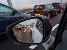 Dode bij brand na botsing vrachtwagens: A29 bij Haringvlietbrug voorlopig dicht
