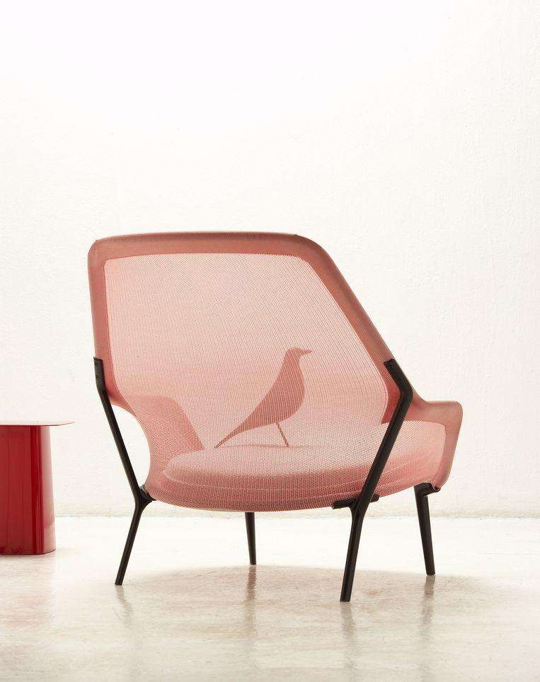 De Slow Chair Atmosphere van Vitra. Beeld Morgane Le Gall