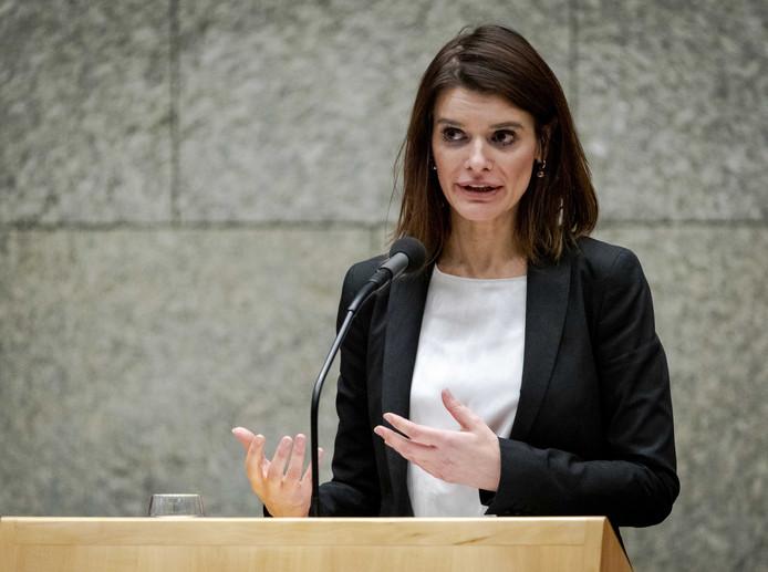 Staatssecretaris Barbara Visser van Defensie aan het woord tijdens een debat in de Tweede Kamer over de begroting van Defensie. ANP SEM VAN DER WAL