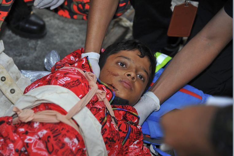 Een slachtoffer van de aardbeving in Borneo.