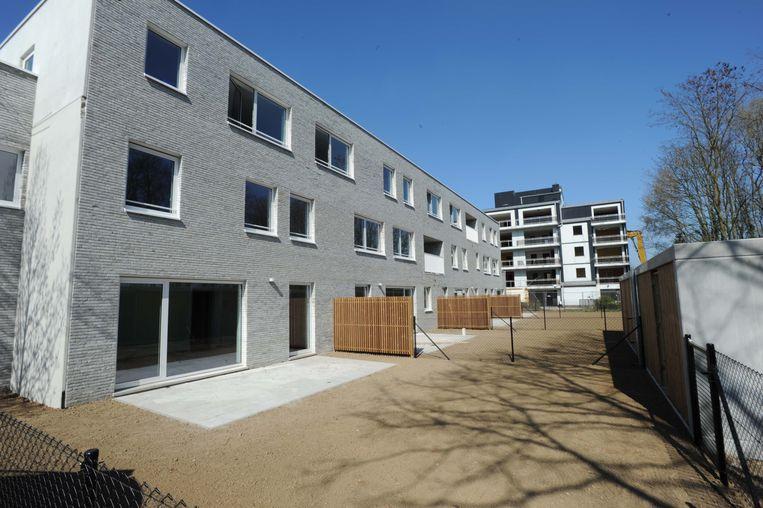 Een reeks oude en versleten woongebouwen worden vervangen door 6 nieuwe panden.