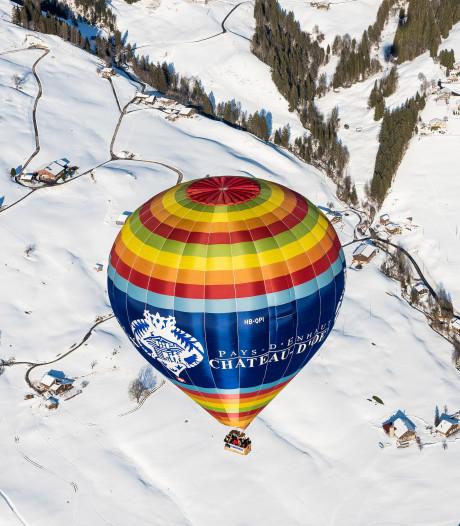 Sprookjesachtige ballonvaart boven Zwitserland