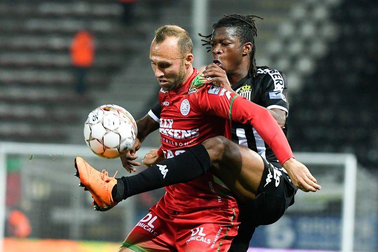 Buffel in actie tegen Charleroi.