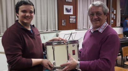 Robin is nieuwe dirigent van Woumense trommelkorps