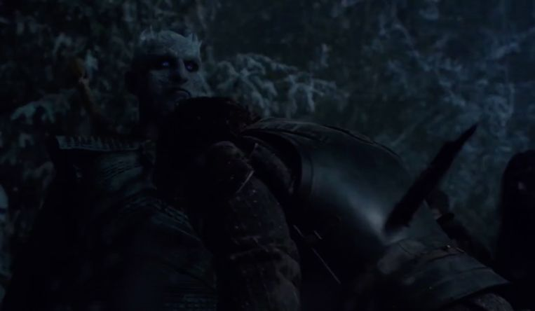 De Night King vermoordt Theon.