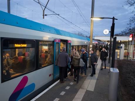 Doorrijden trein op stations Duiven en Westervoort onacceptabel: 'Ook bomvolle trein moet stoppen'