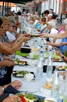 Langste tafel aan Bierkaai: 'Eén tafel voor honderdtien personen, alstublieft'