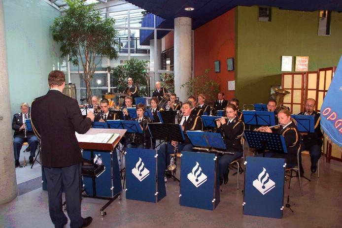 De kapel van de politie Gelderland Zuid speelt zondag bij Ooijse Toekomst in De Sprong.  Archieffoto DG