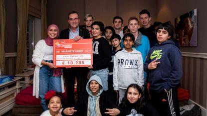UHasselt schenkt De Warmste Week-opbrengst van 10.285 euro aan vzw Habbekrats
