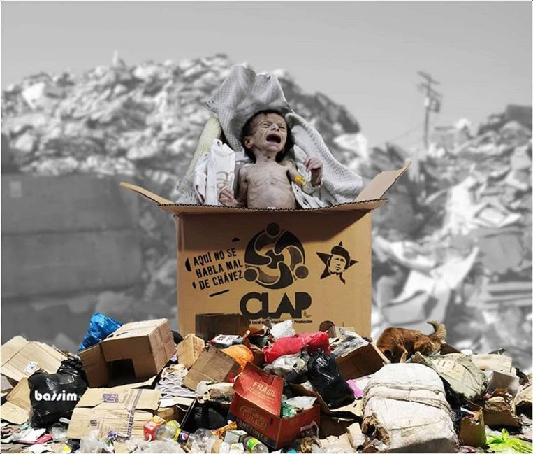 Werk van kunstenaar Francisco Bassim: een voedselpakket van de overheid waar een huilende, zwaar ondervoede baby uit plopt, op de achtergrond een vuilnisbelt.  Beeld Francisco Bassim