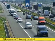 Kilometerslange file op A2 bij Eindhoven na ongeval
