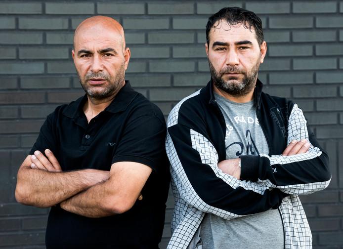 De broers Ayhan (links) en Emin Eris werkten bij de gemeente Woerden, maar zijn daar ontslagen omdat ze telefoontjes verkochten.