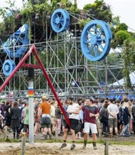 Grammywinnaar Cage The Elephant op festival Down The Rabbit Hole