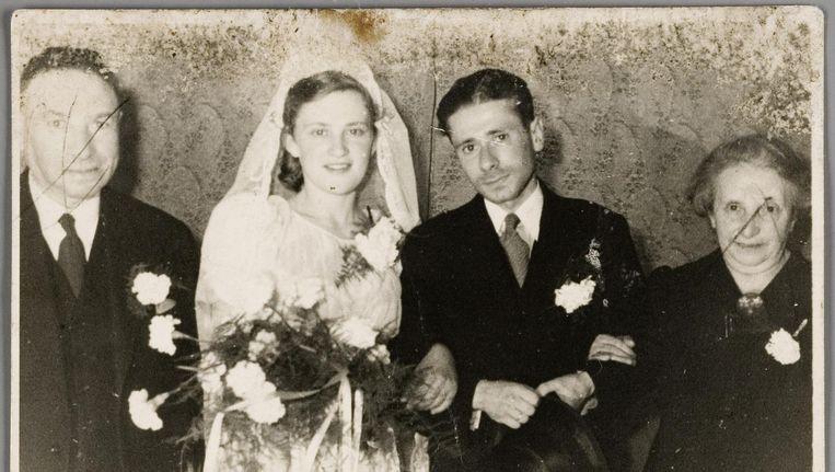 Trouwfoto van Betsie Turksma (1923-1943) en Noach Simon Mok (1915-1943), circa 1941, geschonken door een dochter van de vrouw die bij de familie Turksma in dienst was. Beeld Collectie Joods Historisch Museum