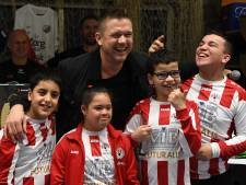 Johnny de Mol laat G-voetballers stralen bij toernooi in Cuijk