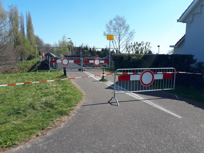 De Halen Zolen route is bij de houten fietsbrug ter hoogte van de Eindstraat in Drunen afgesloten.