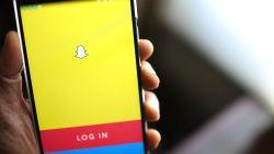 Van stoppelbaard naar paardenstaart: hoe werkt de nieuwe Snapchat-filter?