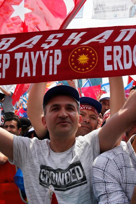 'Erdogan aan kop na eerste tellingen'