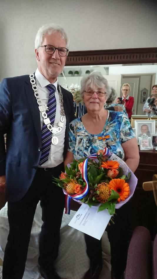 Wera Blommers-Nieuwenhuijzen (70, Klundert) - Lid in de Orde van Oranje-Nassau