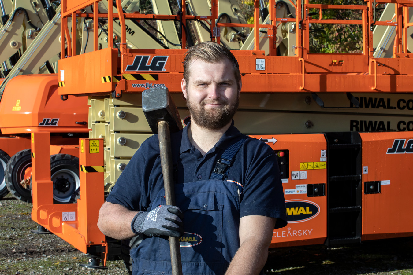 Wesley Warmerdam is hoogwerkermonteur bij Riwal.