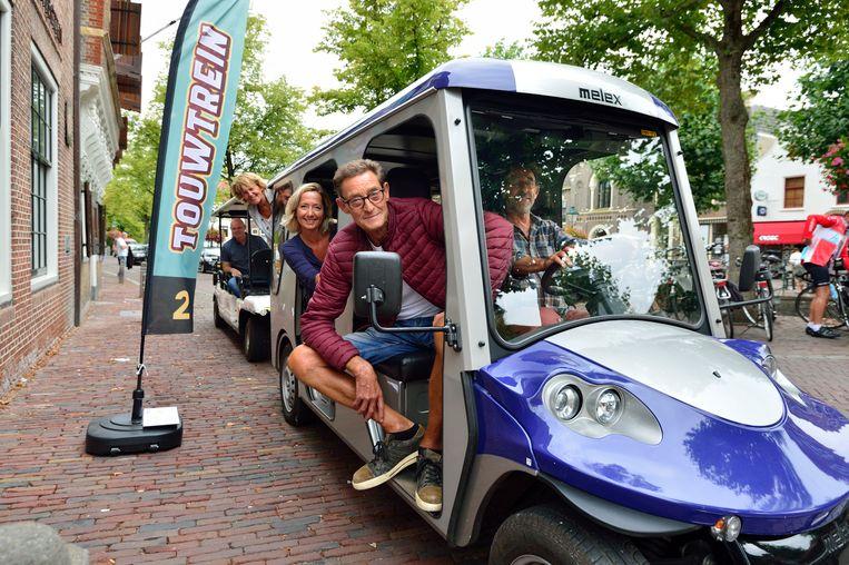 Dit elektrische toeristentreintje wordt vanaf nu in het Nederlandse Oudewater (provincie Utrecht) ook ingezet voor het vervoer van kinderen. De trein vervangt de stint, de elektrische bolderkar die in nasleep van het dodelijke treinongeluk in Oss niet langer is toegelaten op de Nederlandse openbare weg.