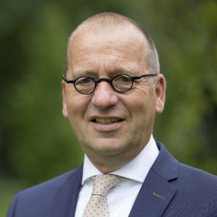 Burgemeester Theo Segers, die per 13 januari naar de gemeente Molenlanden vertrekt.