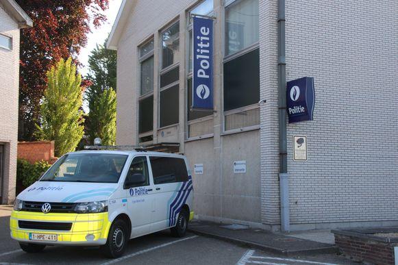Politie politiewagen politiewagens Erpe-Mere/Lede commissariaat politiecommissariaat Lede