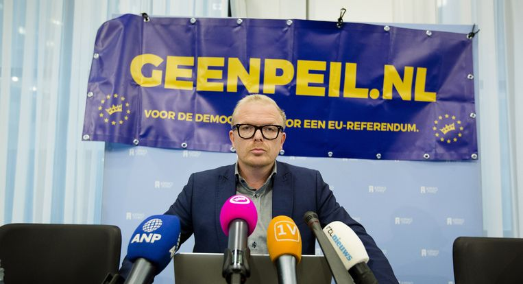 Jan Roos van het actiecomité GeenPeil na afloop van een persbijeenkomst. Beeld anp