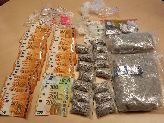 De politie kwam bij de huurwoning in 's-Gravendeel uit door 'gedegen onderzoek'.