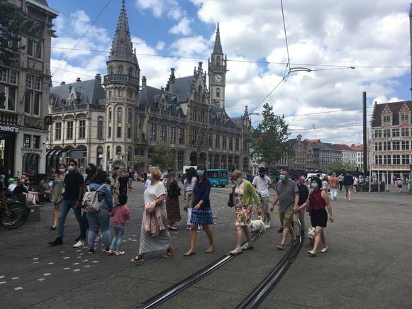 Op de koopzondag liep er wel veel volk in de stad