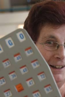Marian helpt bewoners van zorgcentrum de Valentijn: ,,Soms speel ik bingo op vier kaarten tegelijk''