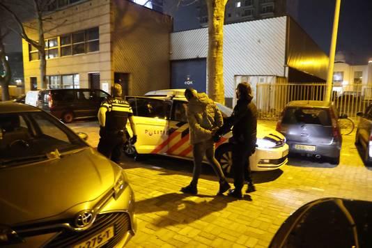 De politie arresteerde meerdere personen in de Lulofdwarsstraat
