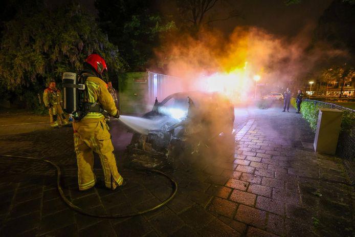 Alweer een autobrand in Eindhoven, de auto raakte flink beschadigd.