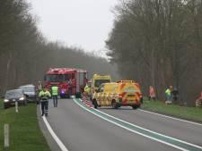 Drie zwaargewonden bij botsing tussen twee auto's  bij Laren