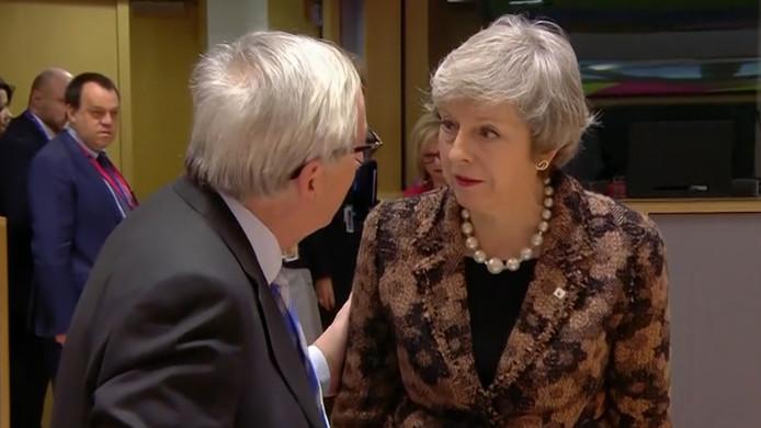 May en Juncker hadden onenigheid voor het oog van de camera's.