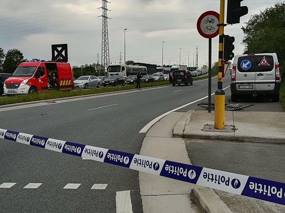 De fietser werd aangereden aan de oversteekplaats van de N41 en de Kettermuitstraat.