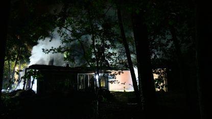 """Zo goed als zeker asbest vrijgekomen bij zware woningbrand in Zoersel: """"Geen gevaar voor mens en milieu"""""""