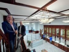 'De bank van Luykx' aan de Roosendaalse Molenstraat is in ere hersteld