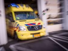 Man zwaargewond bij bedrijfsongeval op schip in de Waalhaven