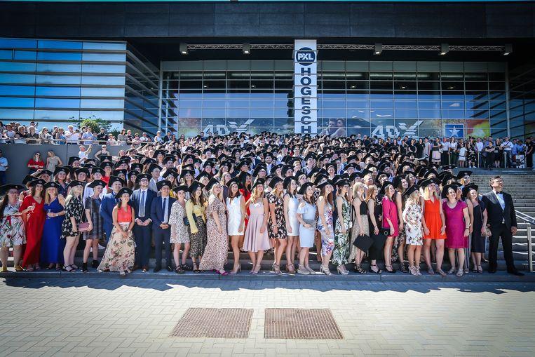 Proclamatie PXL studenten in de Kinepolis van Hasselt de groepsfoto