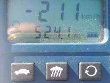 Met 211 kilometer per uur over de snelweg: 'Doe effe normaal'