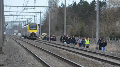 80 treinreizigers geëvacueerd na wanhoopsdaad