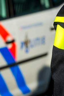 Arrestaties in Nijmegen: auto ramt drie wagens, fietser mishandeld