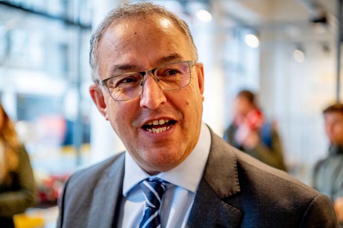 Burgemeester Aboutaleb gaat vol voor het Rotterdamse Songfestival: 'De stad is sexy'