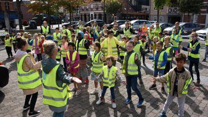 De Brem houdt STRAP-flashmob op dorpsplein