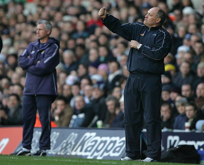 Alan Pardew (links) en Martin Jol tijdens Tottenham Hotspur - West Ham United op 20 november 2005.