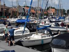 Niet op vakantie dus dan maar een bootje kopen: jachthavens zijn bomvol