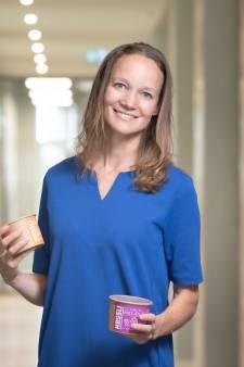 Heidi maakt gezonde cruesli van voedsel dat anders bij het afval verdwijnt
