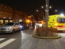 Kop-staartbotsing tussen drie auto's in Oss